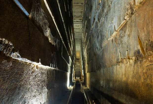 grand-gallery-pyramid-of-khufu