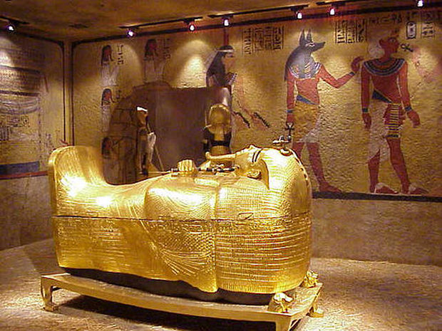 golden-casket-of-tutankhamun