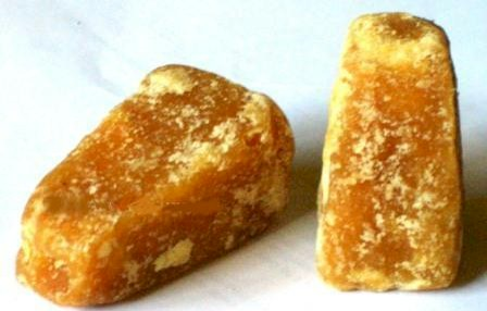 jaggery cubes derived from sugar cane